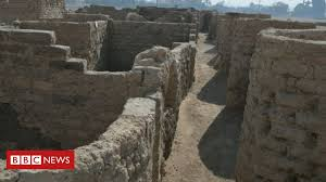 'Lost golden city' found in Egypt reveals lives of <b>ancient</b> pharaohs ...