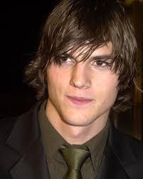 """... hecho con los derechos de una comedia llamada """" Shh … Don't Tell Steve """" y que producida por el actor Ashton Kutcher se basaba ebn una cuenta Twittr. - kutcher-ashton-photo-ashton-kutcher-6226616"""