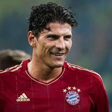 Mario Gómez jugará en la Fiorentina Mario Gómez no continuará en el Bayern de Múnich la próxima temporada pese a tener contrato hasta 2016. - mario-gomez1
