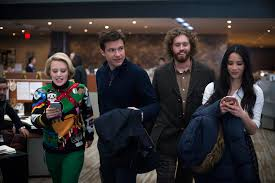 office christmas party celebrates new trailer starring kate office christmas party kate mckinnon jason bateman tj