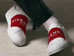 Givenchy <b>Women Winter</b> 2019 Collection | GIVENCHY Paris