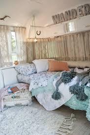 love sarah schneider chic design dorm room ideas