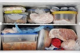 xử lý tủ lạnh có mùi hôi