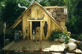 Seattle dog runs  Dog Washing and dog houses   Animal House BuildersSeattle CUSTOM DOG HOUSES