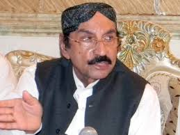 PPP parliamentary leader Makhdoom Amin Fahim while speaking to media outside Bilawal House confirmed that Syed Qaim Ali Shah had been nominated in a meeting ... - 555476-QaimAliShah-1369744659-312-640x480