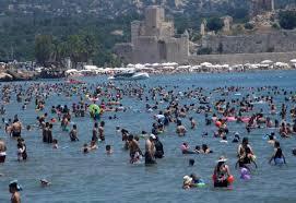 Mersin'de sahiller doldu