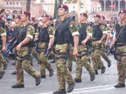 Risultati immagini per carabinieri paracadutisti