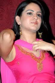 "Valentine's Day | Actress Aksha | ""వాలెంటైన్ డే""నా... అదంతా ట్రాష్ : అక్ష | Webdunia Telugu - img1120211043_1_1"