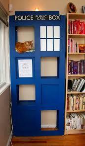 Tardis cat tree  I must have this    DIY CAT LIFE    Pinterest    Tardis cat tree  I must have this
