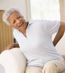 Bệnh đau lưng ở người già cao tuổi