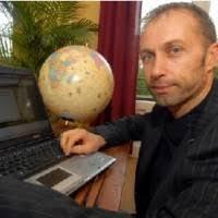 Voici un article du journal « La Provence » parlant de Christophe Reboul, l'initiateur d'un site dédié à la fidélisation de la clientèle en boutique ... - Christophe_Reboul-200x200