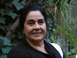 ANA PIZARRO Egresada de Pedagogía en Castellano, Universidad de Concepción, Chile. Profesora de Estado en Francés, Universidad de Chile. - ana