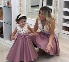 2018 Princess <b>Lovely Lace Flower Girl</b> Dresses Pearls Satin Mother ...