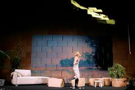 Hella Prokoph · Bühnen- und Kostümbild
