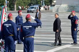 Bildergebnis für orban und polizisten
