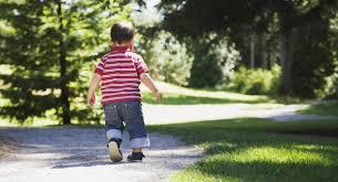 Resultado de imagen de niño andando