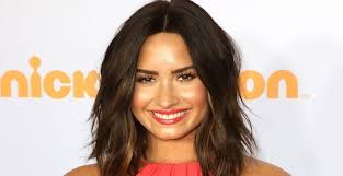 Demi Lovato Biography - Facts, Childhood, Family Life, Achievements
