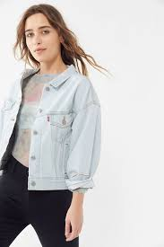 Levi's Slouchy <b>Denim Trucker Jacket</b> - Long Story | Urban Outfitters