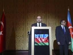 Akdoğan Azerbaycan'ın 97. kuruluş yıldönümünde konuştu