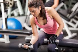 khong-duoc-nhin-doi-tap-gym