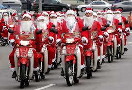 Photos droles ou cocasse du Père Noel - spécial fin d'année 2014 .... - Page 2 Images?q=tbn:ANd9GcToxexvCrXk2t1axLuob5UgonsJqA_WeQO6rsJjtUdq71wMTeh1Gg