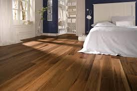 Sàn gỗ Malaysia chính hãng siêu chịu nước giá rẻ ở sàn gỗ Nguyễn Kim