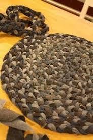 DIY jean rug   Quilts and rugs   Rugs, Diy <b>braids</b>, <b>Braided</b> rug tutorial