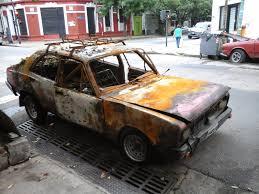 Resultado de imagen para auto abandonado