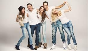 Путеводитель по <b>джинсам</b> – как выбрать свою идеальную пару