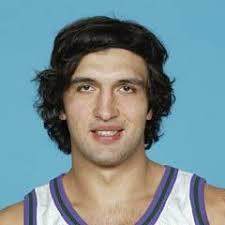 "Zaza Pachulia. Position Center, Power forward. League NBA Height 6'11"" (211 cm) Weight 265 lbs (120 kg) - Z.Pachulia"
