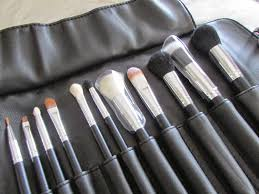 although i 39 m still anno at the fact that we were lied to i can 39 t deny that these are actually great makeup brushes if you them off ebay