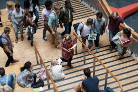 more people enroll in college even rising price tag report finds
