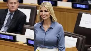 Иванка Трамп в рубашке на голое тело и <b>юбке Prada</b> удивила ...
