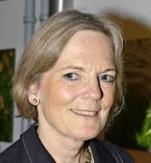 Die in Freiburg lebende Claudia Richter sucht Mitautorinnen und Mitautoren für einen Erinnerungsband. - 63795345