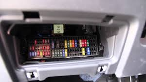 volkswagen jetta fuse box location volkswagen jetta 2012 fuse box location