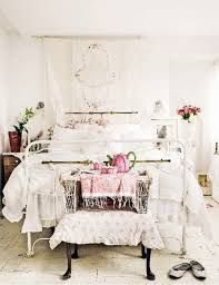 Shabby Chic Bedroom Wall Colors : Add shabby chic touches to your bedroom design for creative juice