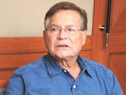Salman and Shah Rukh can never be friends, says Salim Khan - salim-khan_660_110813103451
