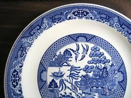 charger plates decorative: decorative charger plate blue white chinoiserie exotic birds usa vintage edge wwwdecorativedishes