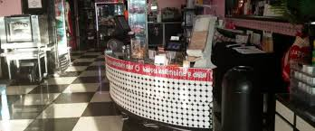 florida cupcake shop giving away business for    and an essay    photo  royal treatz owner lisa cann is giving her business away for    to the
