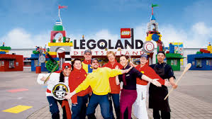 legoland jobs jpg w 1422 h 800 mode crop scale both quality 80 format jpg jobs careers
