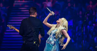 Carrie Underwood Digs Deep With Superstar Spectacle ...