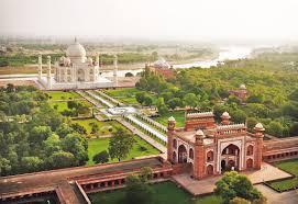 <b>Taj Mahal</b>: A Tour from the Top — Google Arts & Culture