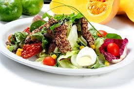 combina bien las proteínas con los vegetales y carbohidratos