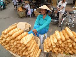 vietnam archives global travel info com smiling street vendors vietnam
