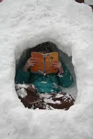 Resultado de imagen de leer en lugares extraños