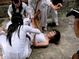 Học sinh đánh nhau- cái nhìn từ xưa đến hiện đại Images?q=tbn:ANd9GcTssJOkckl6PrIqKsFTosPwQX6rDeqh9XCSqJMeQDtQK3URFs1U