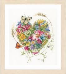 Набор для вышивания Lanarte PN-0169960 A heart of <b>flowers</b> ...
