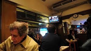 Resultado de imagen de Televisor en restaurante