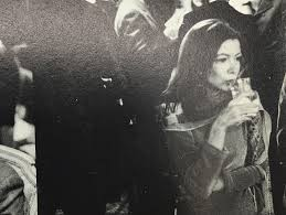 joan didion remains as elusive as ever inthe last love song tbt joan didion partied los angeles magazine in 1970