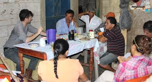 semilla nueva semilla nueva growing better ideas for a better executive director curt bowen meets a group of leader farmers in the community of willywood these farmers will lead the trainings of new farmers in